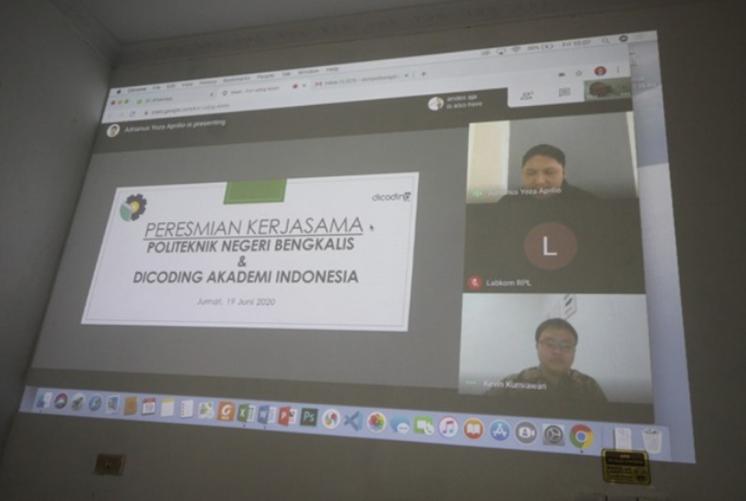 Perusahaan start up PT. Dicoding Indonesia melakukan penandatanganan MoU bersama Politeknik Negeri Bengkalis secara daring